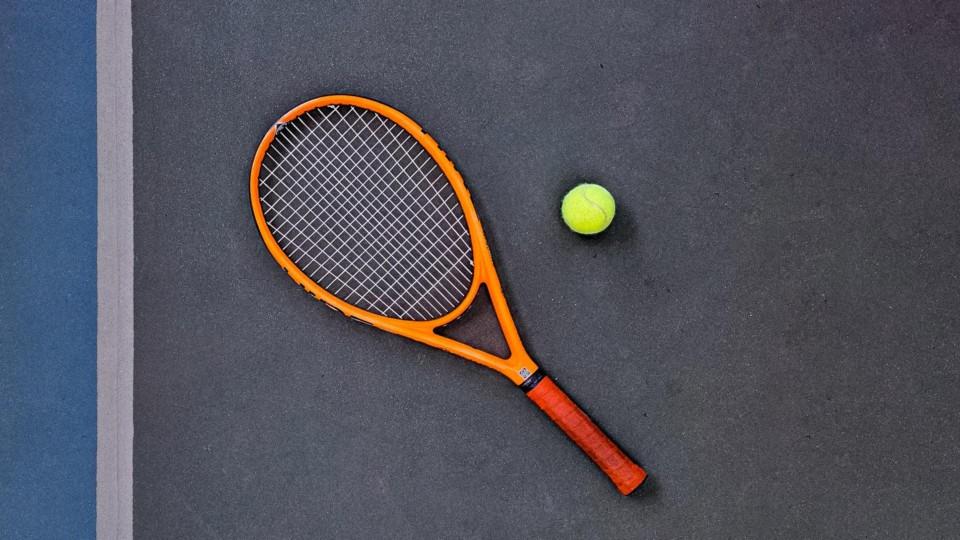 Tennis Locker background